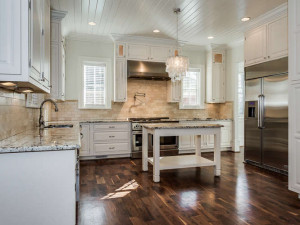 1333 S Kings Dr Charlotte NC-small-010-Kitchen-666x500-72dpi
